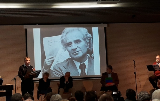 Josep Maria Riba, President de la Unió de Veïns durant la presentació de la biografia de Ramon Fuster